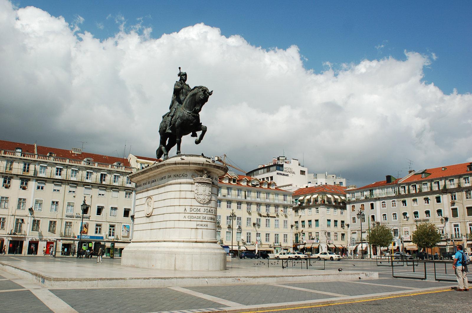 King John Statue